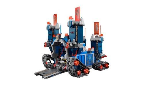 Конструктор Lego Nexo Knights Фортрекс - мобильная крепость