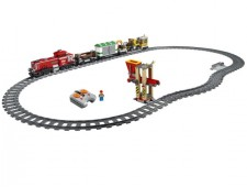 Красный товарный поезд - 3677