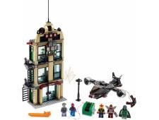 Человек-паук - схватка у здания