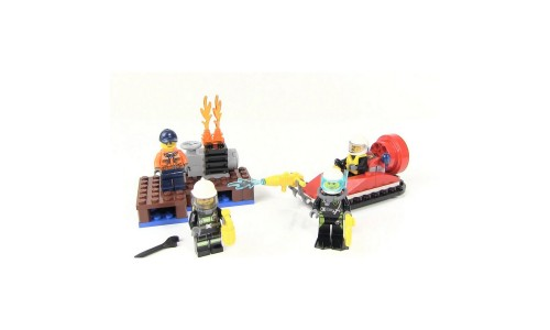 Уценка. LEGO City 60106 для начинающих «Пожарная охрана»